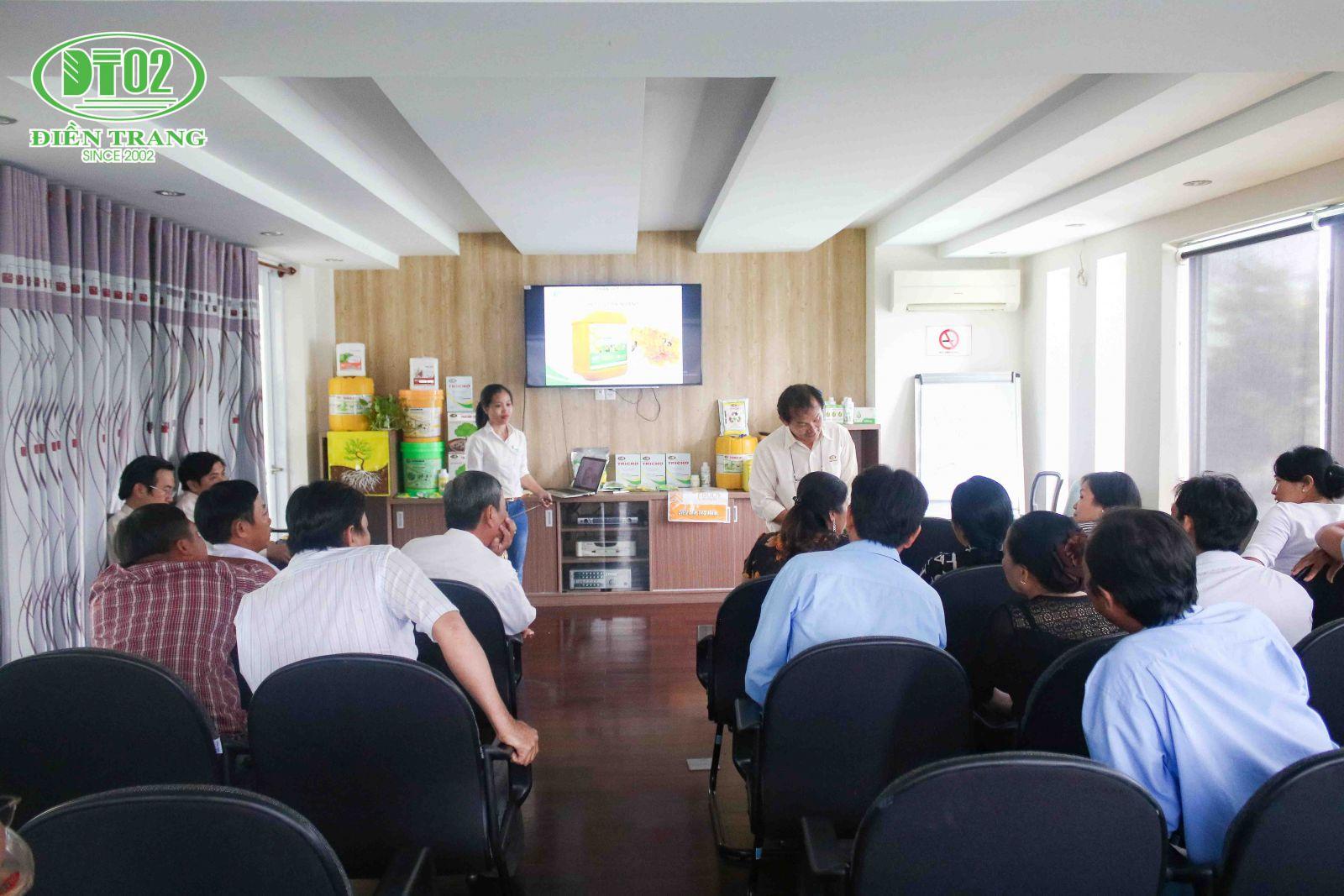 Nông dân Long An tham quan công ty Điền Trang